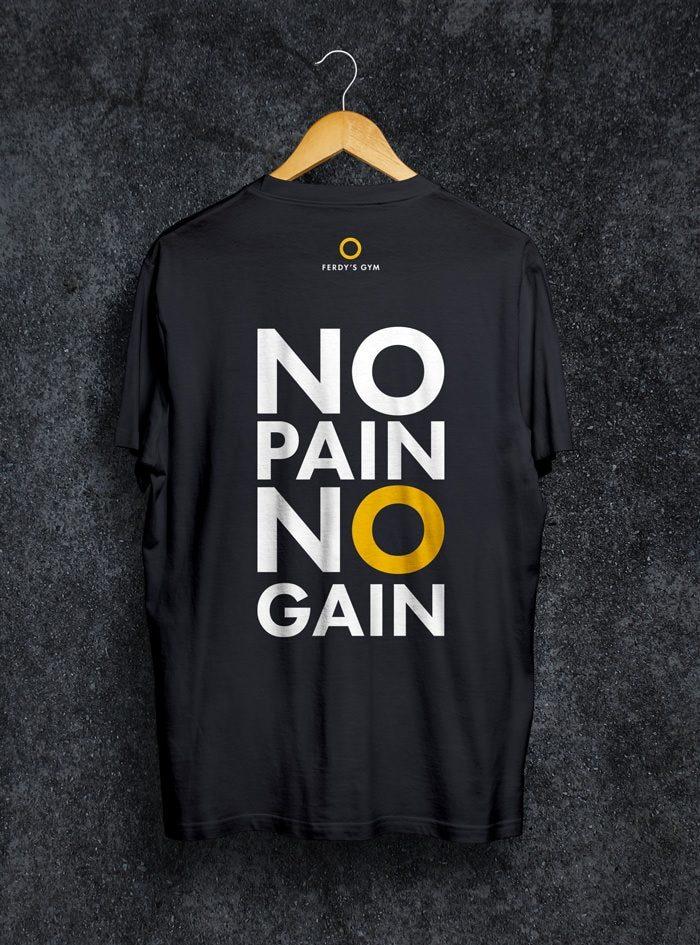 """Schwarzes T-Shirt mit dem Statement """"No Pain No Gain"""" auf dem Rücken"""